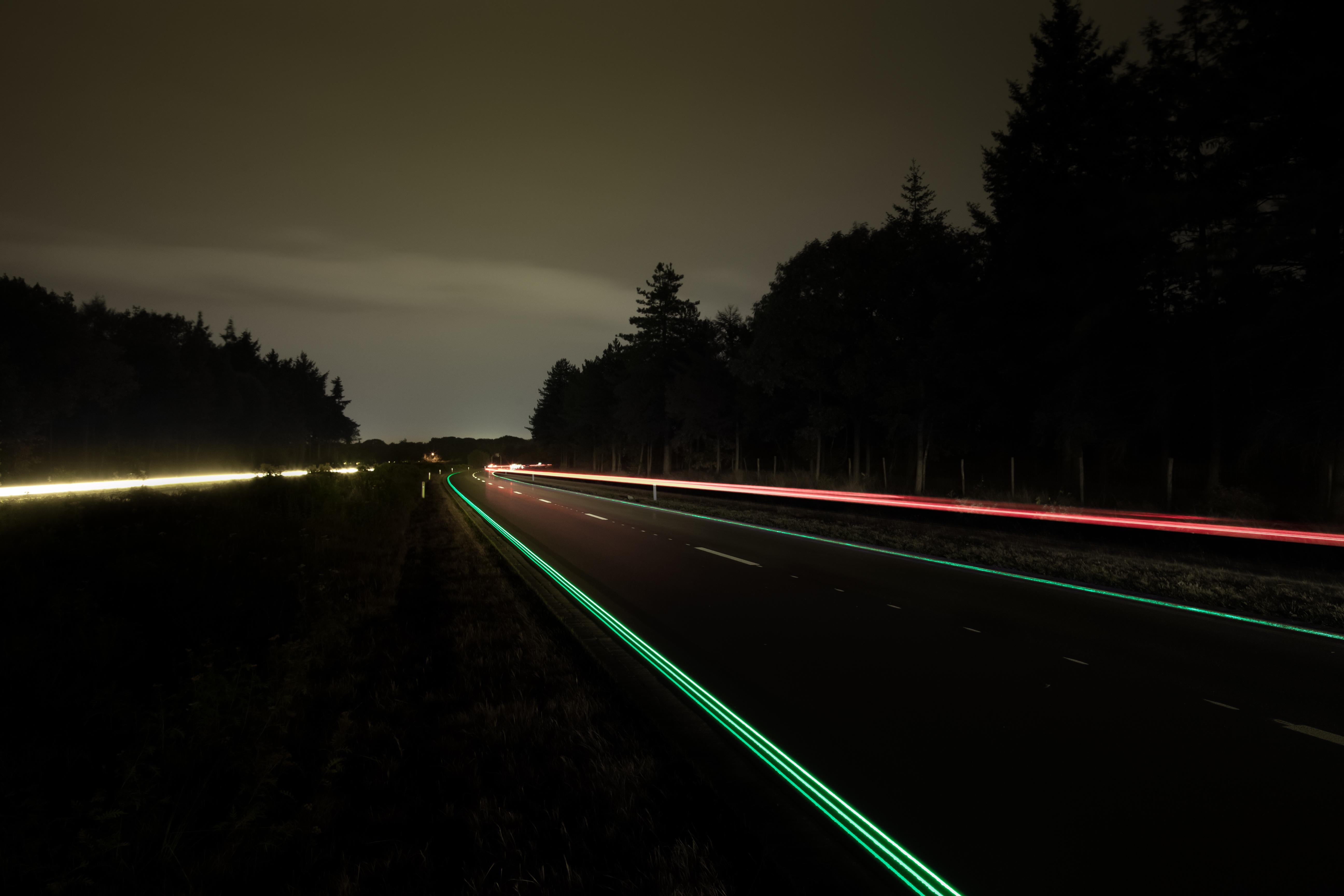 glowing lines Roosegaarde.jpg